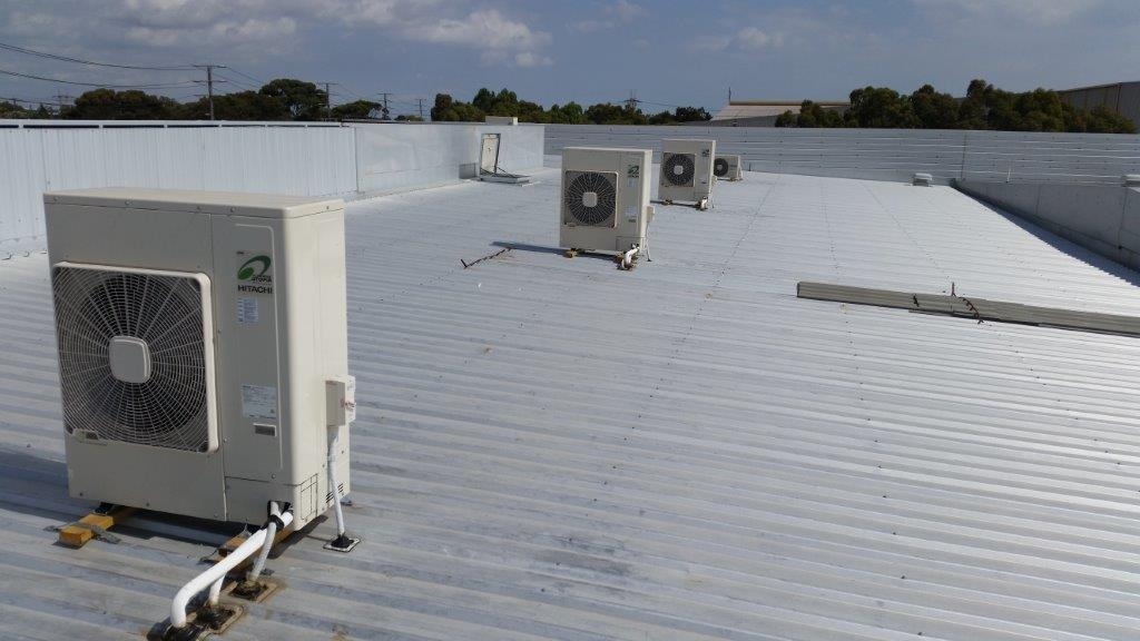 Commercial Air Conditioning Mounted On Roofs 3
