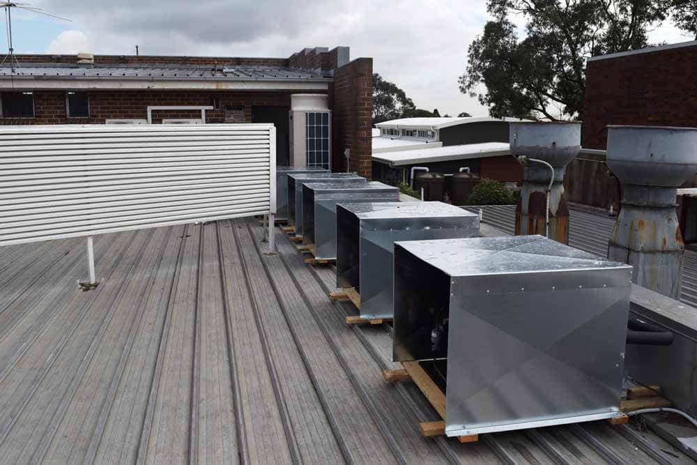 External Motor On Roof For Wall Fridges 2